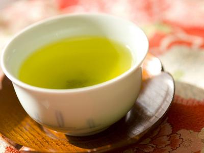 お茶で体を温めればガン予防にもなります。 これってスゴイですよね。 くれぐれも自分で淹れたお茶を楽しんでください。