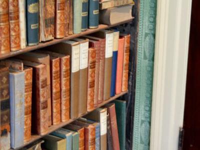 好きな本を音読する・・・認知症予防&レクリエーションです