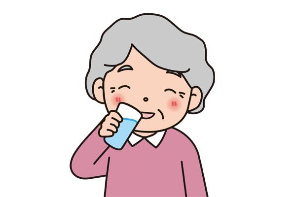 水分を摂りたがらないお母さんにどう接したらいい?